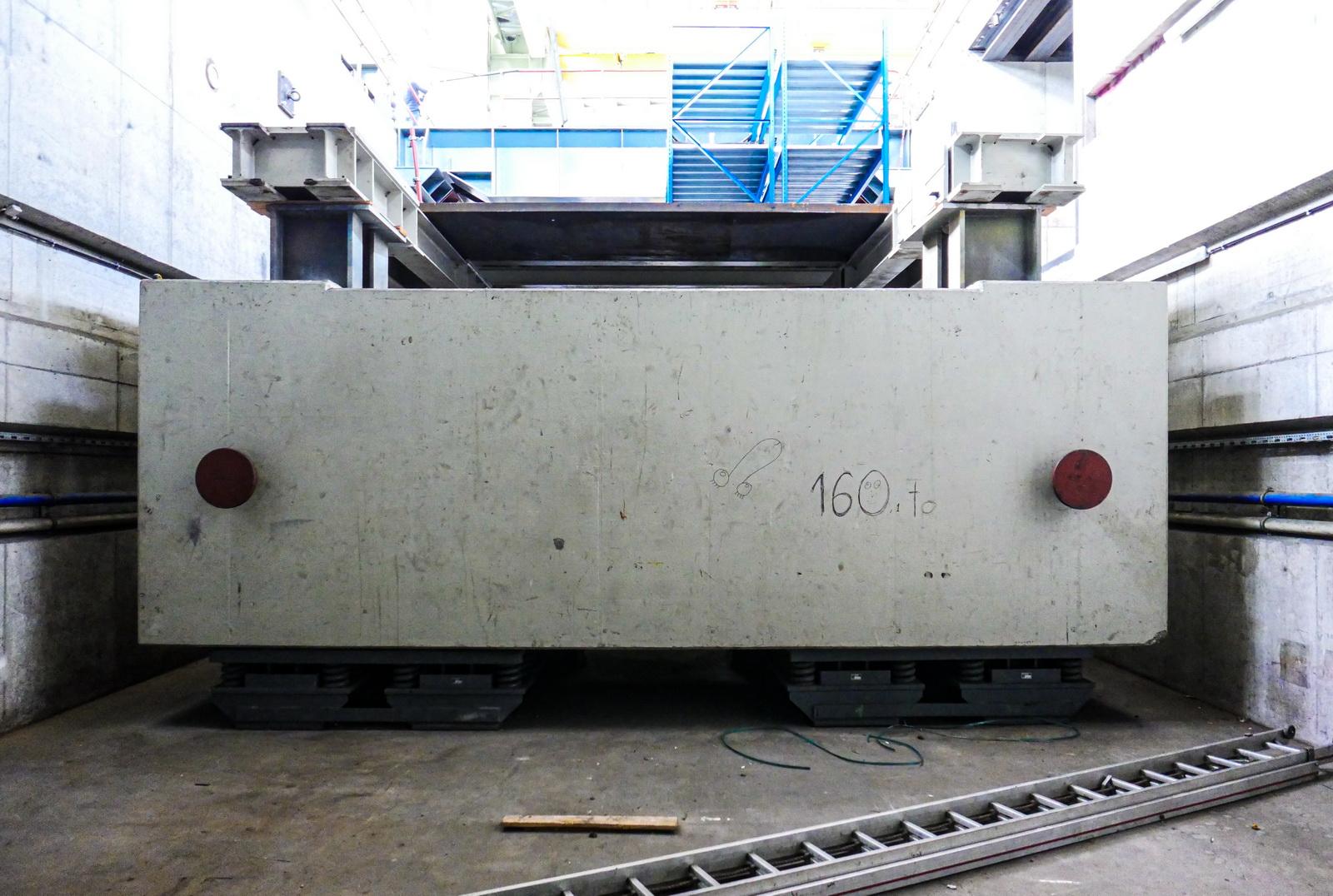 L1000217